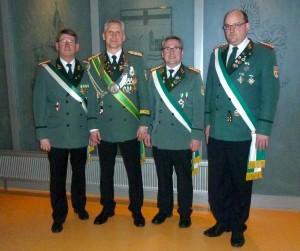 Oberst Hans-Werner Koepsell, Oberstleutnant u. König Michael Schadomsky, Geschäftsführer Markus Discher und Schatzmeister Claus Schmidtmeier
